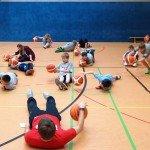 Dirbbeln im Liegen - Sparkasse Harburg-Buxtehude Basketballtag