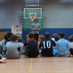 Stefan Schmidt, Profispieler, stellt sich den Fragen der Kinder - Sparka...
